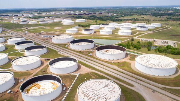 Zbiorniki do przechowywania ropy naftowej w Cushing - Sputnik Polska