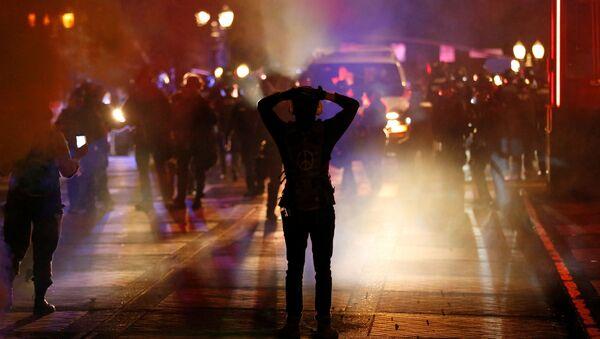 Protestujący w związku ze śmiercią George'a Floyda, Portland, Oregon, USA - Sputnik Polska