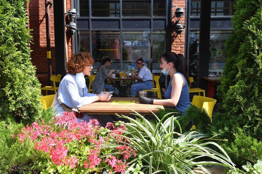 Kobiety w restauracji w Moskwie