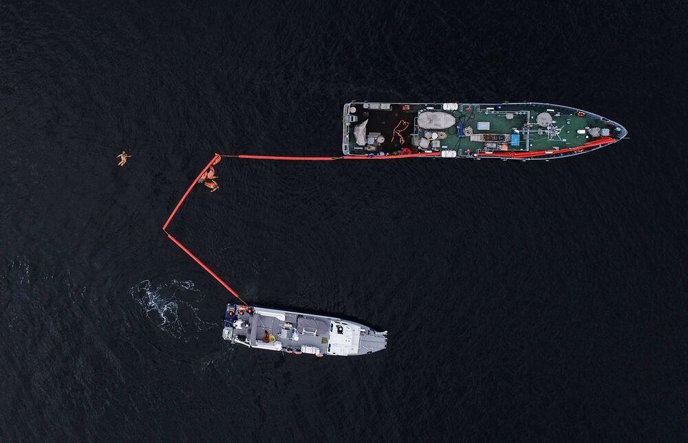 Taktyczne ćwiczenia sił poszukiwawczo-ratowniczych Floty Północnej Rosji na Morzu Barentsa
