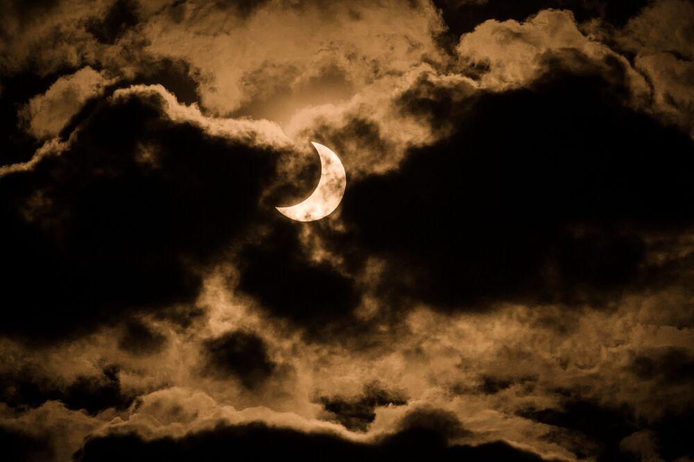 Сzęściowe zaćmienie Słońca w Kenii