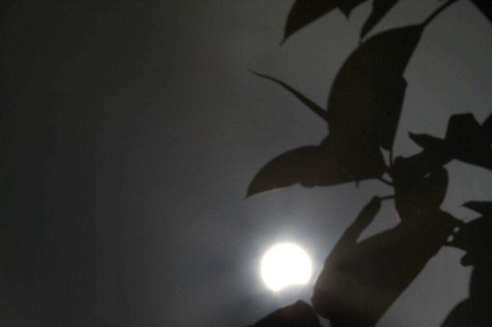 Сzęściowe zaćmienie Słońca na Cyprze