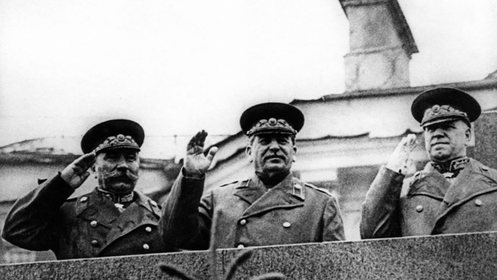 Józef Stalin na Defiladzie Zwycięstwa na Placu Czerwonym 24 czerwca 1945 roku - Sputnik Polska, 1920, 31.08.2021