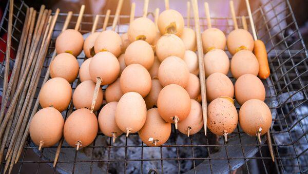 Szaszłyki z jajek na grillu - Sputnik Polska