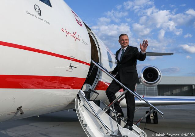 Prezydent Andrzej Duda przed wylotem do USA