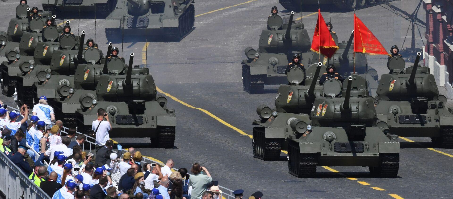 Defilada Zwycięstwa na Placu Czerwonym z okazji 75. rocznicy zwycięstwa nad hitlerowskimi Niemcami - Sputnik Polska, 1920, 18.04.2021