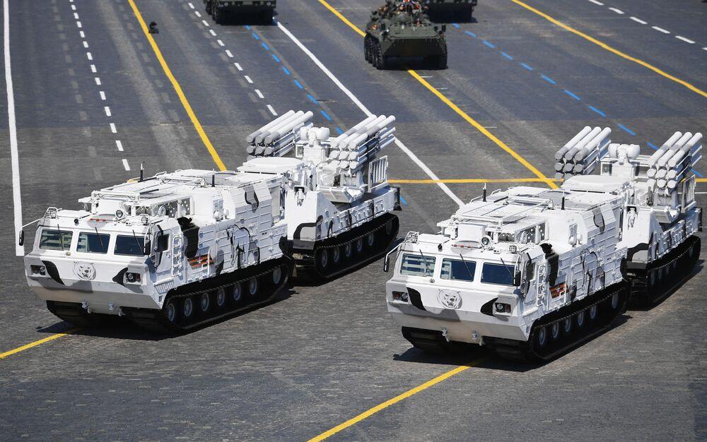 Samobieżny przeciwlotniczy zestaw artyleryjsko-rakietowy Pancyr-S
