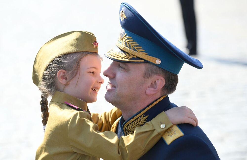 Zastępca ministra - kierownik Urzędu Ministra Obrony Federacji Rosyjskiej, generał pułkownik Jurij Sadowienko