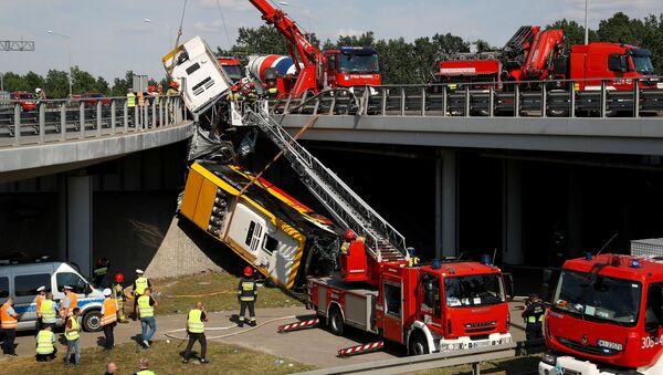 Wypadek autobusu w Warszawie - Sputnik Polska
