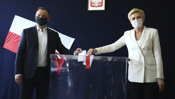 Prezydent Duda głosuje z żoną w Krakowie - Sputnik Polska