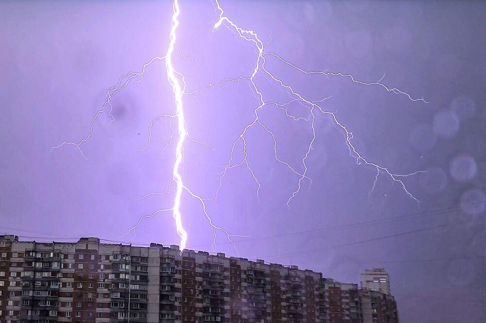 Burza z piorunami w Moskwie