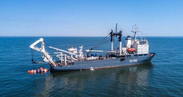 Załoga okrętu ratunkowego Floty Bałtyckiej SS-750