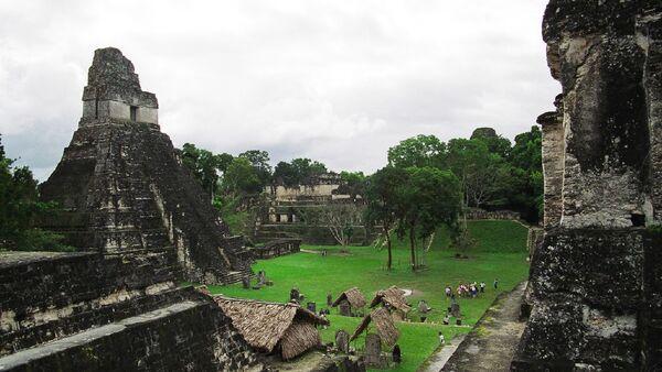 """Świątynia """"Wielkiego Jaguara"""" starożytnego miasta Majów Tikal - Sputnik Polska"""