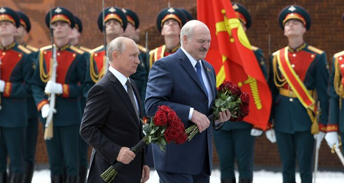 Odsłonięcie pomnika żołnierza radzieckiego pod Rżewem