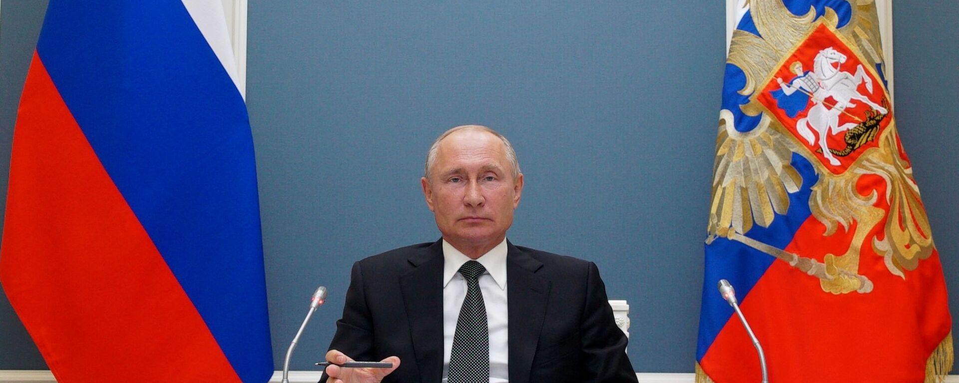 Prezydent Rosji Władimir Putin w czasie wideokonferencji - Sputnik Polska, 1920, 01.09.2020