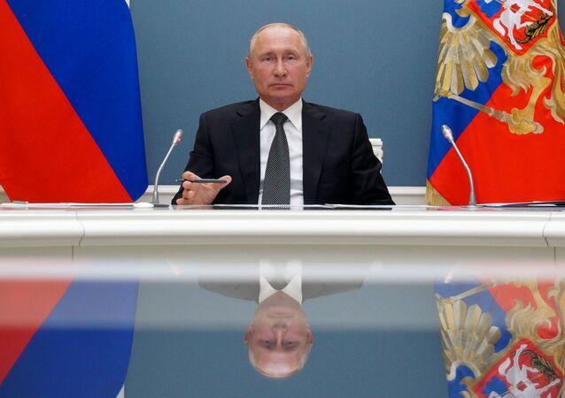 Prezydent Rosji Władimir Putin w czasie wideokonferencji