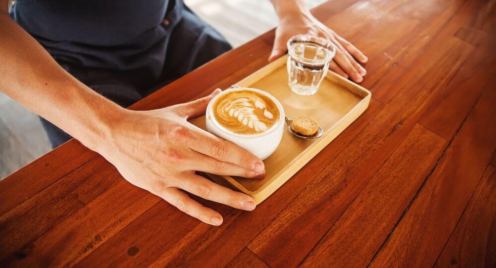Kawa i szklanka wody
