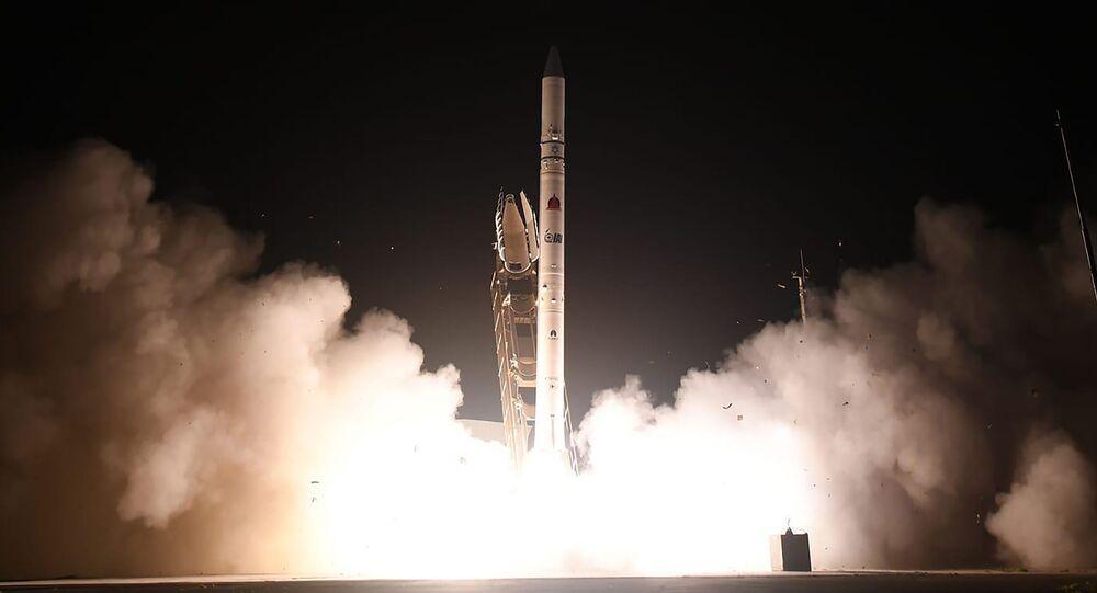 Wystrzelenie satelity Ofeq-19 z bazy w Palmachim w środkowym Izraelu