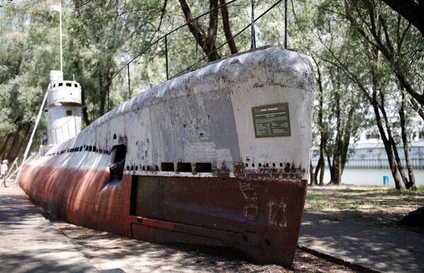 Mały wielofunkcyjny okręt podwodny z silnikiem Diesla M-261 w Krasnodarze - Sputnik Polska