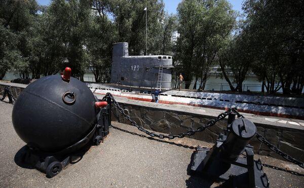 Wielofunkcyjna łódź podwodna z silnikiem Diesla M-261 w Krasnodarze - Sputnik Polska