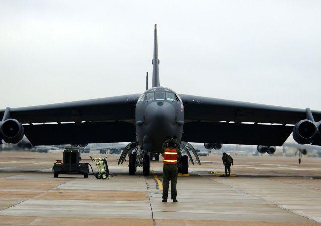 Strategiczny bombowiec В-52 w bazie sił powietrznych w Barksdale