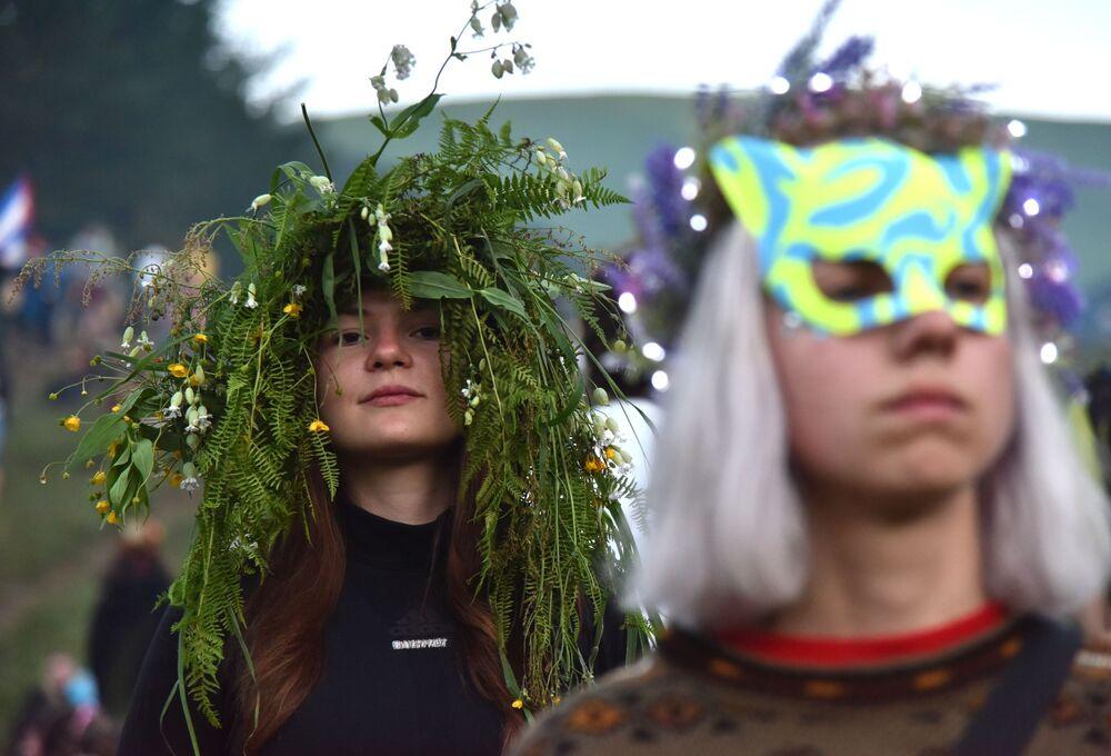 Dziewczyny podczas słowiańskiego święta Noc Kupały na Ukrainie