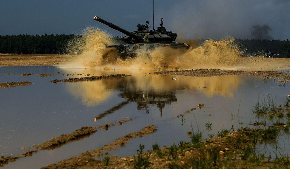 Ćwiczenia Tamańskiej dywizji Zachodniego Okręgu Wojskowego na poligonie pod Moskwą