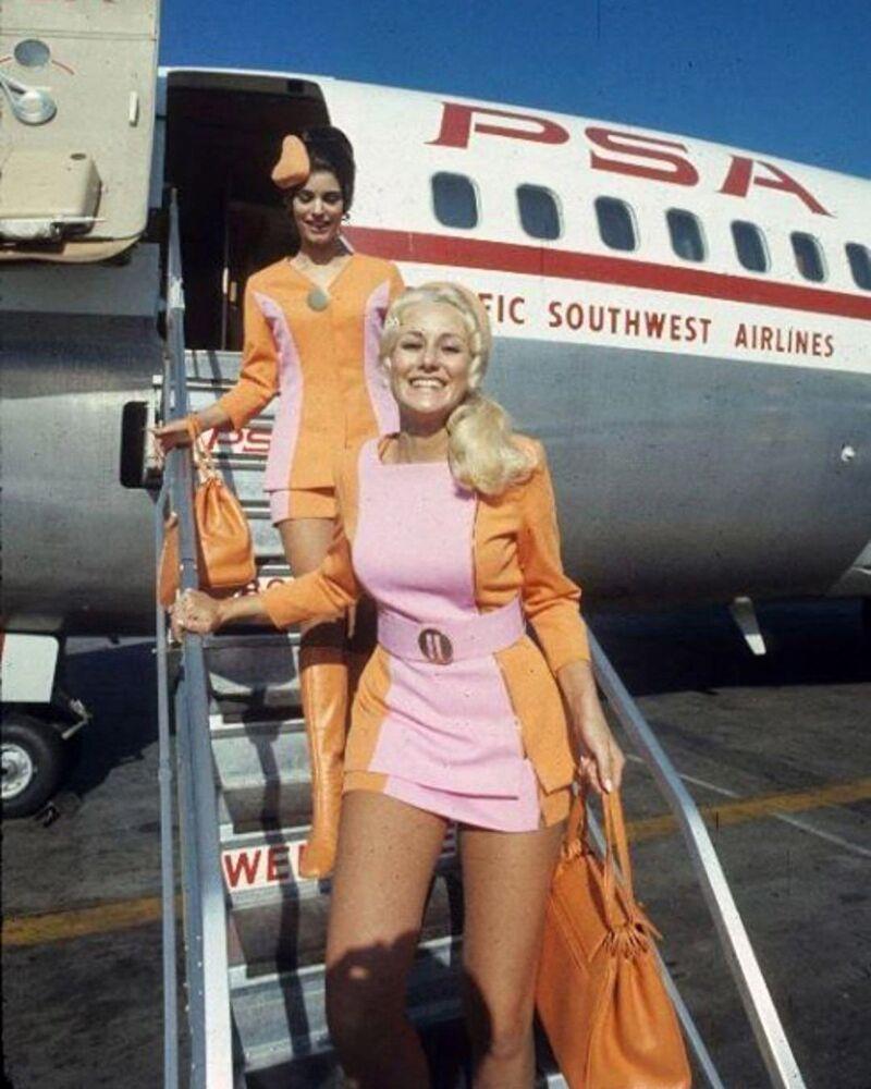 Stewardessy linii lotniczych Pacific Southwest Airlines w 1960 rok