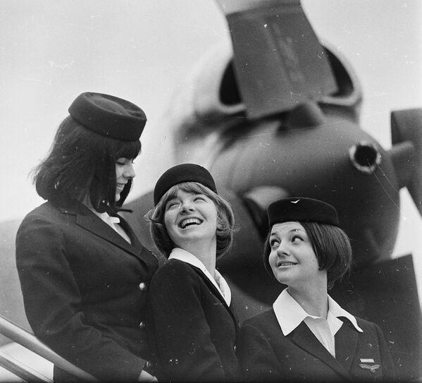 Stewardessy węgierskiej linii lotniczej MALÉV, 1966 rok - Sputnik Polska