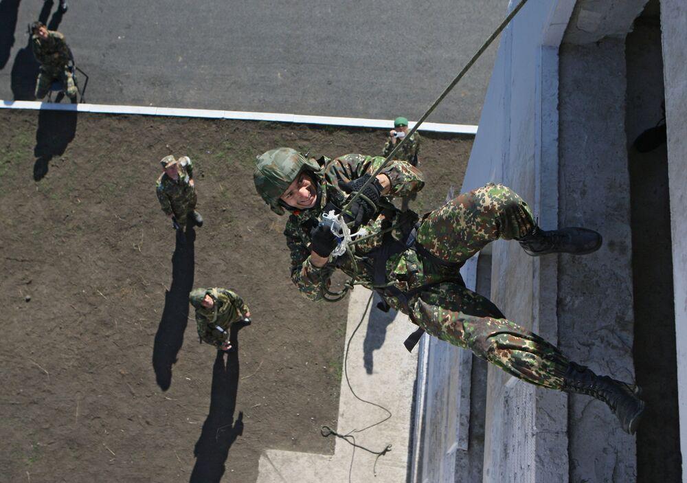 Rosyjscy komandosi specnazu podczas ćwiczeń