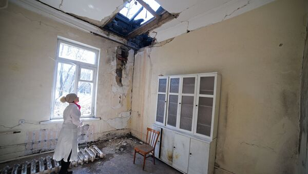 Zniszczony szpital w wyniku działań zbrojnych w Doniecku - Sputnik Polska