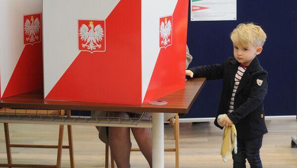 Wnuk premier Ewy Kopacz, wybory w Polsce 2015 - Sputnik Polska