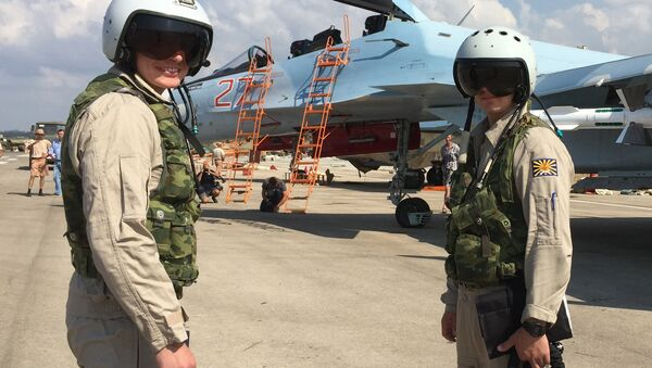 Rosyjscy wojskowi na lotnisku Hmeymim, Syria - Sputnik Polska