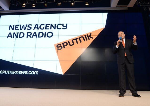Dmitrij Kisielow prezentuje nową markę Sputnik