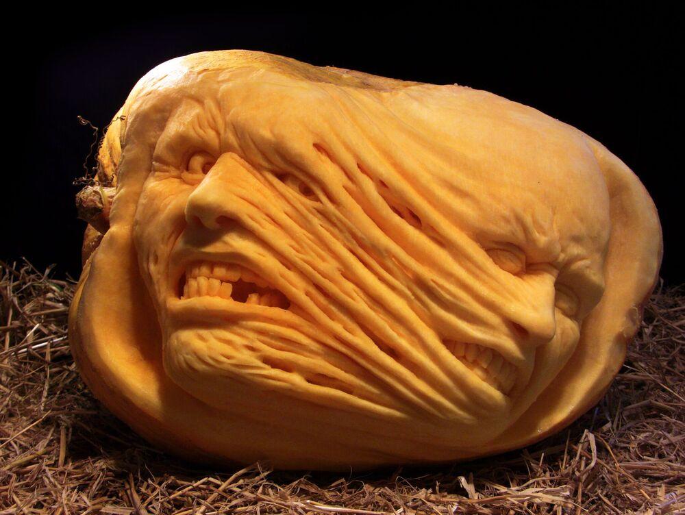 Przerażające rzeźby Raya Villafane'a.