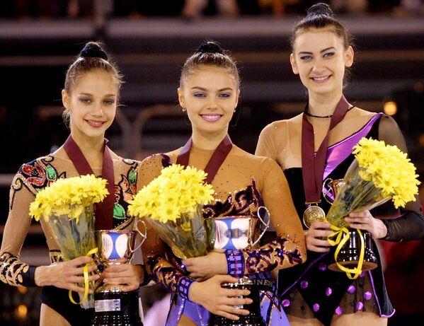 Rosyjskie gimnastki Irina Ciasinam Alina Kabajewa i Tamara Jerofeewa w Madrycie - Sputnik Polska