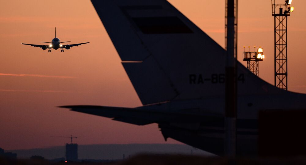 Samoloty na lotnisku Tołmaczowo