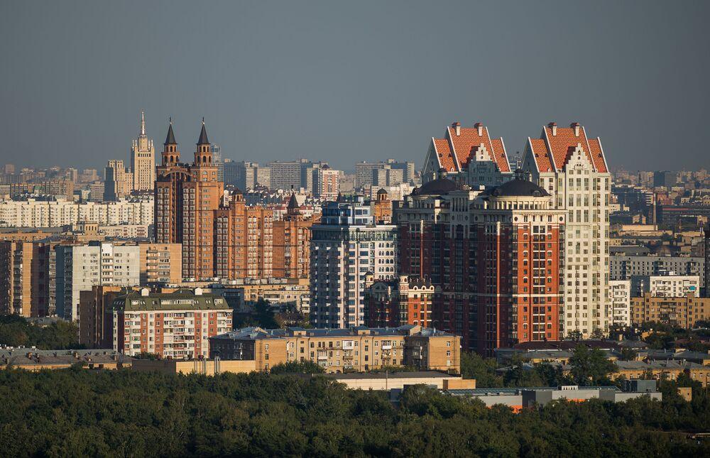 Widok na budynki mieszkalne Moskwy