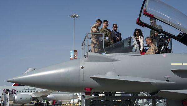 Myśliwiec Eurofighter Typhoon na Międzynarodowej Wystawie Lotniczo-Kosmicznej w Dubaju - Sputnik Polska