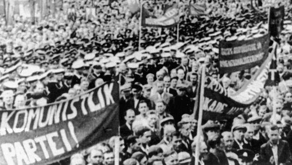 Wiec poparcia dla wejścia Republiki Estońskiej w skład ZSRR - Sputnik Polska