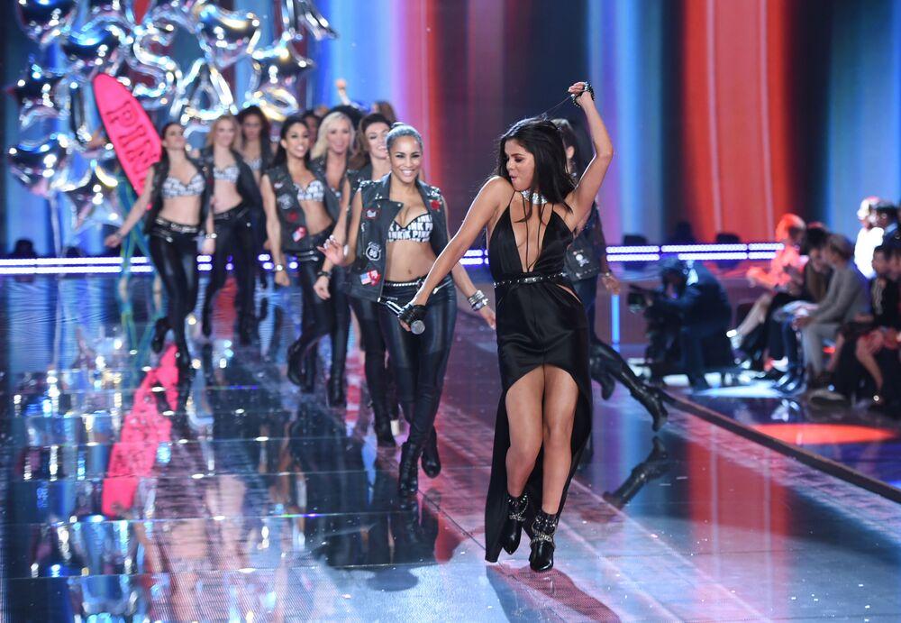 Anioły na wybiegu: Victoria's Secret Fashion Show 2015