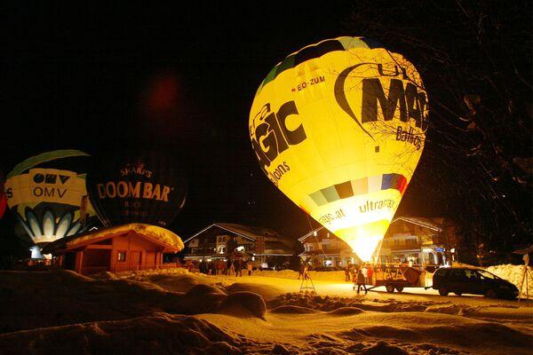 Tradycyjne święto Balloon Night w Filzmoosie, Austria - Sputnik Polska