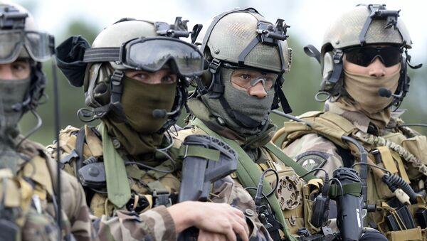 Francuscy żołnierze podczas ćwiczeń w obozie Captieux - Sputnik Polska