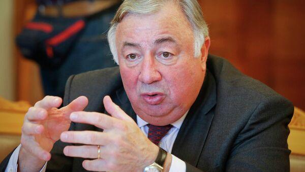 Francuski senator Gerard Larcher - Sputnik Polska