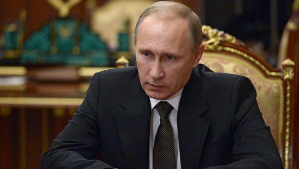 Władimir Putin podczas narady na Kremlu - Sputnik Polska