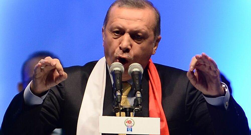 Prezydent Turcji Recep Tayyip Erdogan przemawia w Ankarze