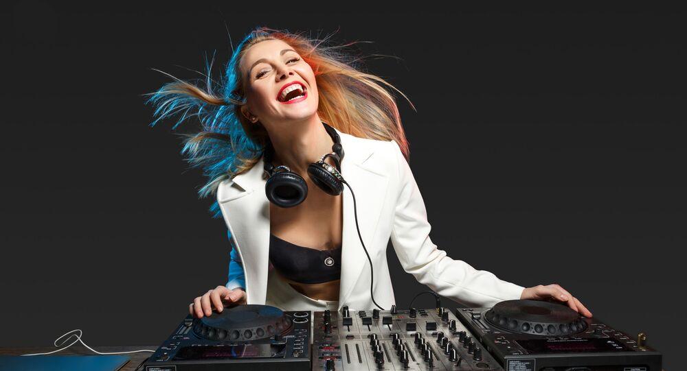 Dziewczyna DJ