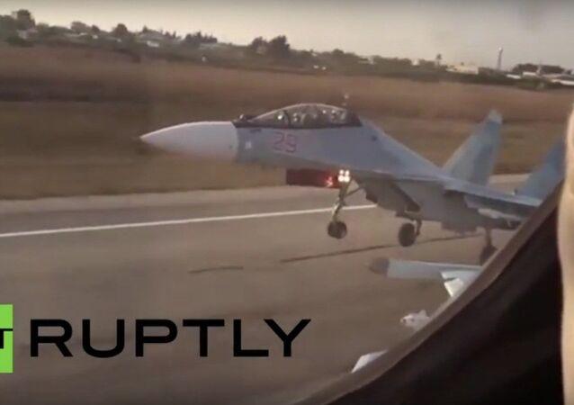 Samoloty Sukhoi Su-24, SU-25, Su-35 uczestniczą w operacji rosyjskich sił powietrznych w Syrii
