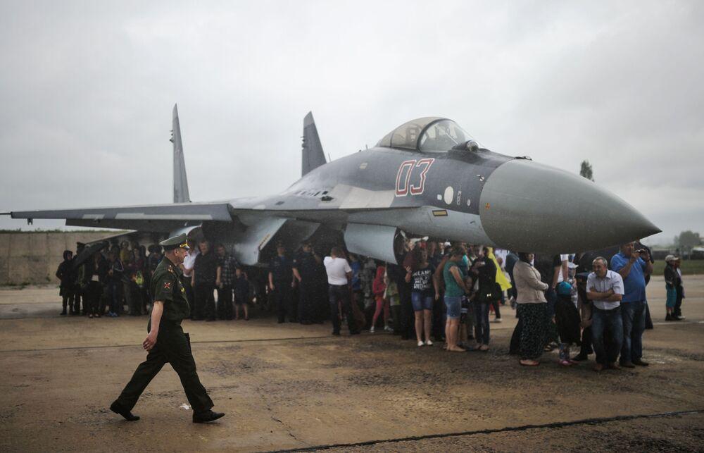 Ceremonia zamknięcia międzynarodowego konkursu lotniczego Awiadarts-2015