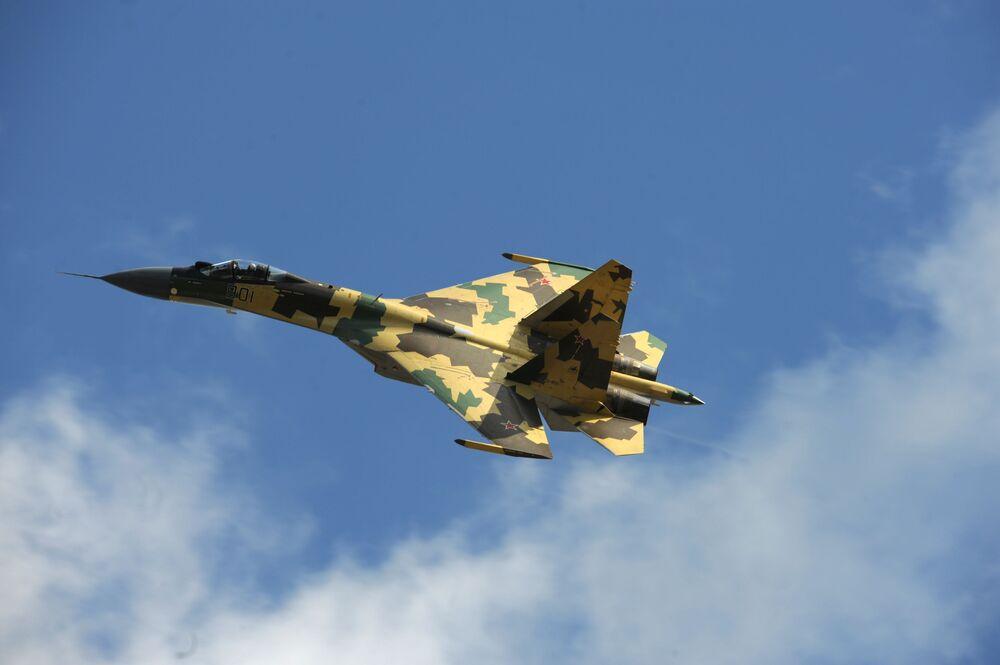 Samolot myśliwski Su-35 na MAKS-2009